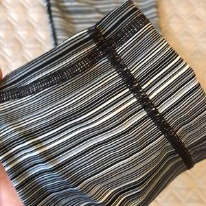 ATHLETA black/white/gray striped yoga legging